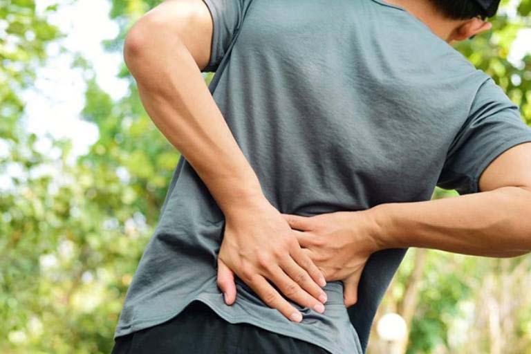 Đau cơ lưng là bị gì