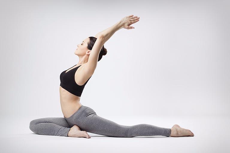 chữa Đau lưng khi có kinh bằng yoga