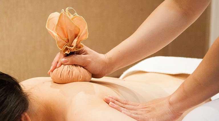 cách giảm đau lưng khi mới thụ thai