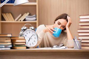 Mất ngủ làm giảm trí nhớ, mất tập trung phải làm sao?