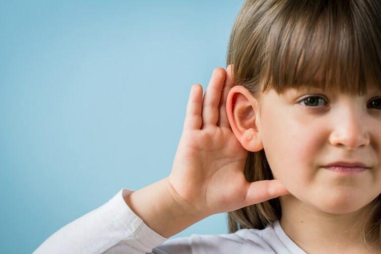 Nghe kém ở trẻ em là bệnh gì?