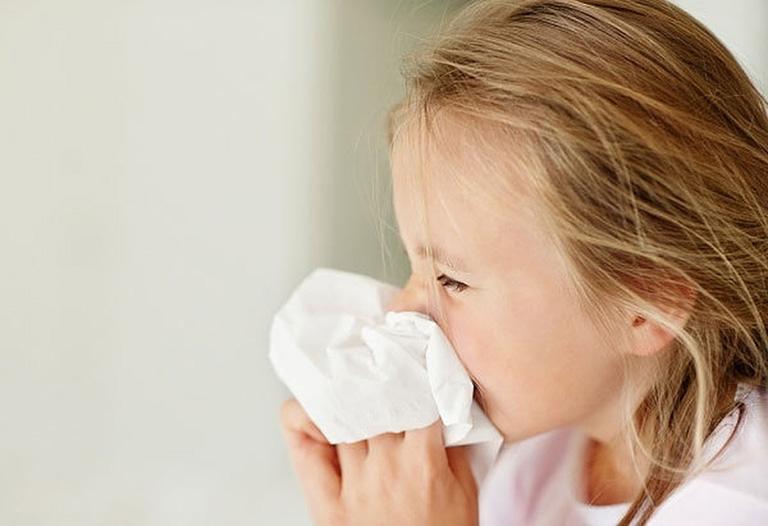 tác dụng của thuốc xịt mũi Otrivin 0.05%