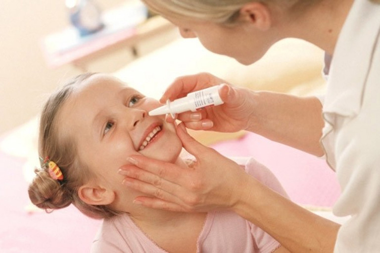 cách dùng thuốc Otrivin 0.05% cho trẻ em