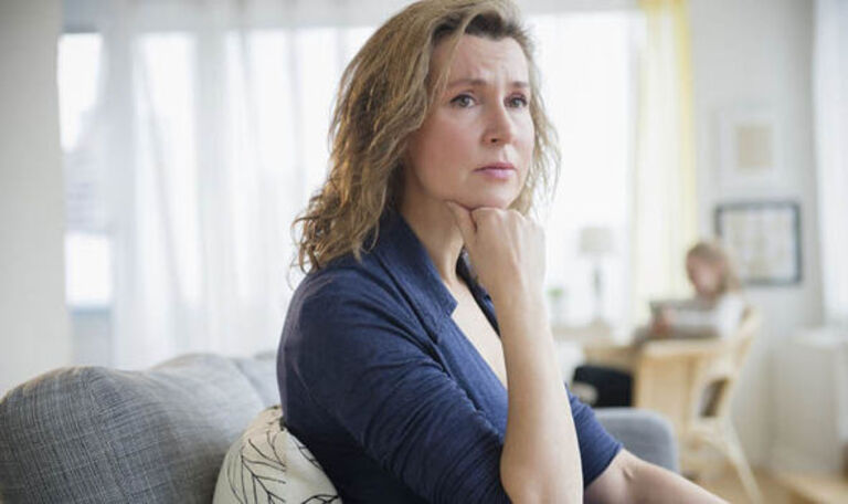 Bị ung thư cổ tử cung có quan hệ được không?