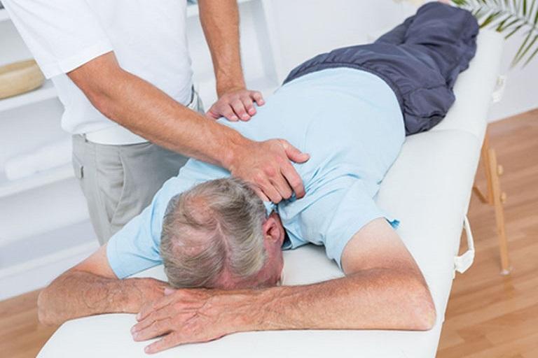 cách điều trị Viêm khớp cùng chậu ở nam giới