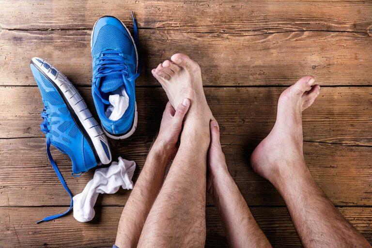 bấm huyệt chữa đau khớp cổ chân