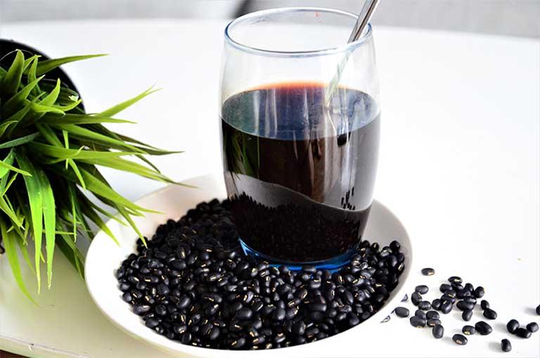 uống nước đậu đen xanh lòng