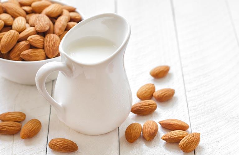 Bị bệnh crohn nên ăn hạt hạnh nhân