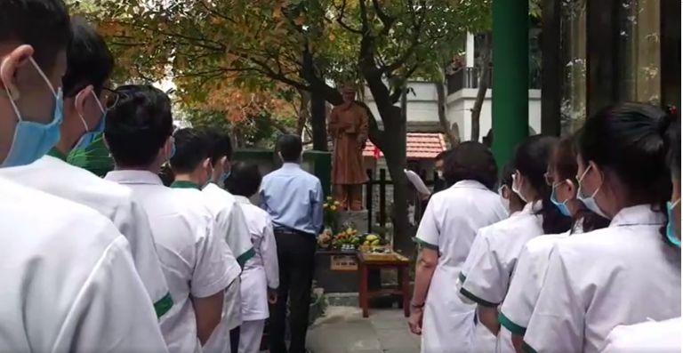Trung tâm Thuốc dân tộc tổ chức kỷ niệm lễ giỗ Hải Thượng Lãn Ông