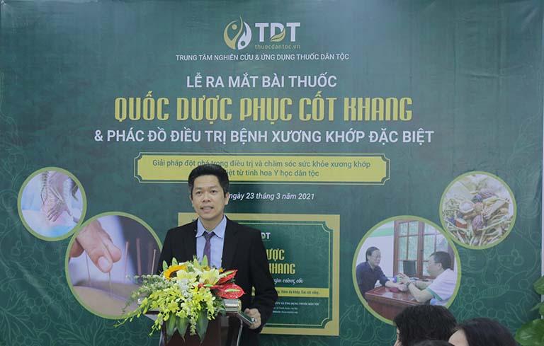 Tổng giám đốc Trung tâm Thuốc dân tộc phát biểu mở đầu buổi lễ