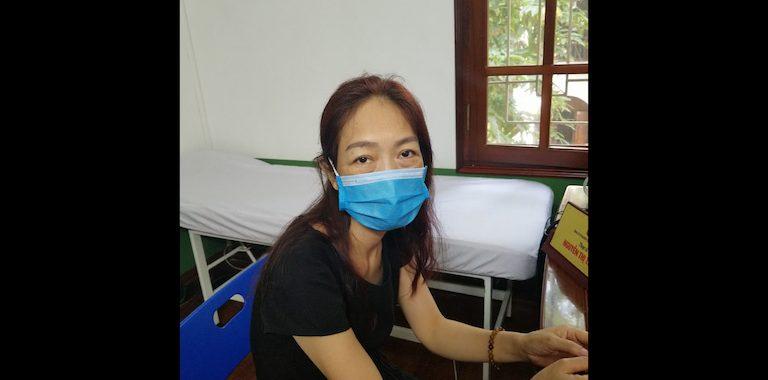 Cô Nguyễn Thị Xuân Phương tới điều trị dạ dày tại Thuốc dân tộc