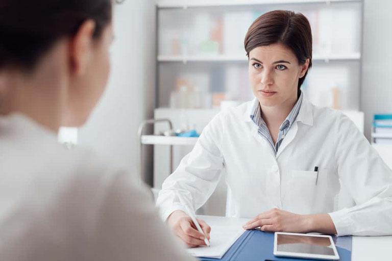 Thăm khám chuyên khoa ngay khi có dấu hiệu của bệnh để được hướng dẫn xử lý đúng cách