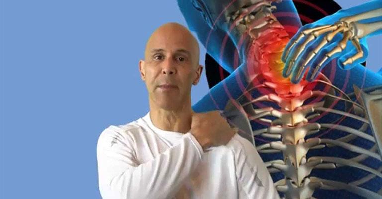 Gai cột sống chèn dây thần kinh cổ