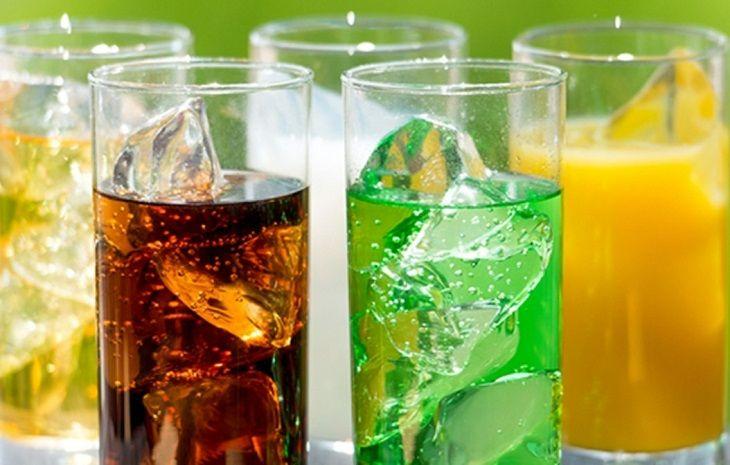 Người đau răng không nên uống đồ uống có gas
