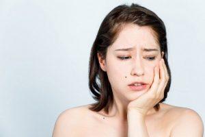 Người bị đau răng kiêng ăn gì