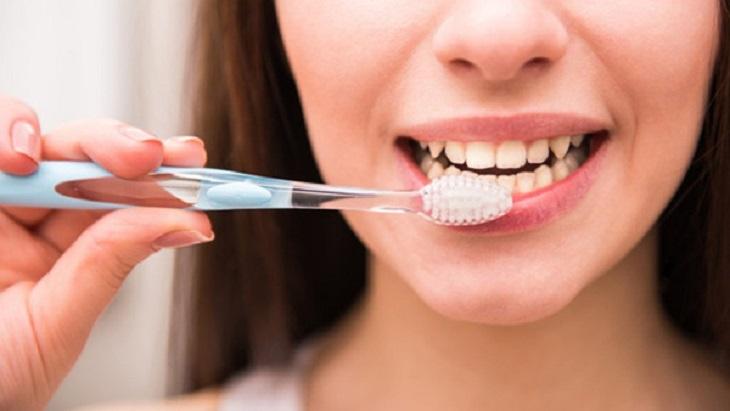 Do thói quen vệ sinh răng miệng không tốt khiến bệnh phát triển