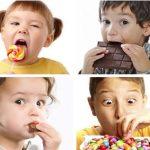 Em bé ăn kẹo bị sâu răng: Nguyên nhân, giải pháp điều trị và phòng ngừa