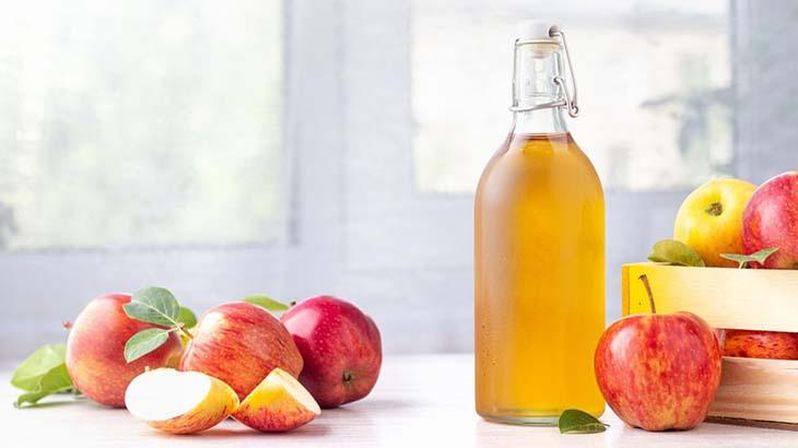 Nên súc miệng hàng ngày bằng giấm táo