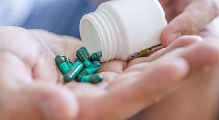 thuốc điều trị viêm lợi trùm