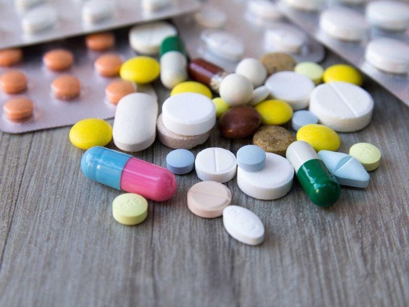 Để giảm nhanh đau buốt người bệnh có thể dùng thuốc theo chỉ dẫn của bác sĩ